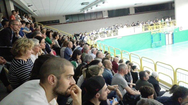 basketquistello-finale-gara1-pubblico